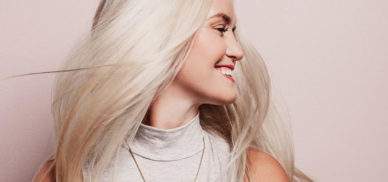 melhoria da qualidade de pele e do cabelo