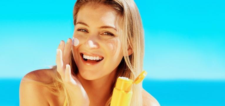 acne juvenil e cuidados com o sol