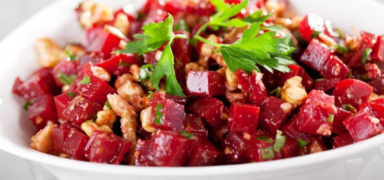 Salada de beterraba e nozes