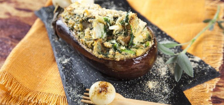 beringela recheada com bacalhau e espinafres em receitas saudáveis e deliciosas