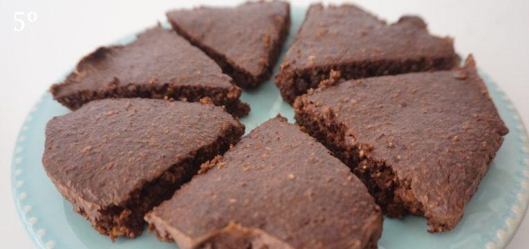 bolo humido de chocolate e avela 5 passo