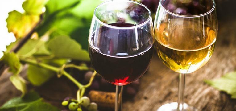 consumo de vinho tinto e vinho branco