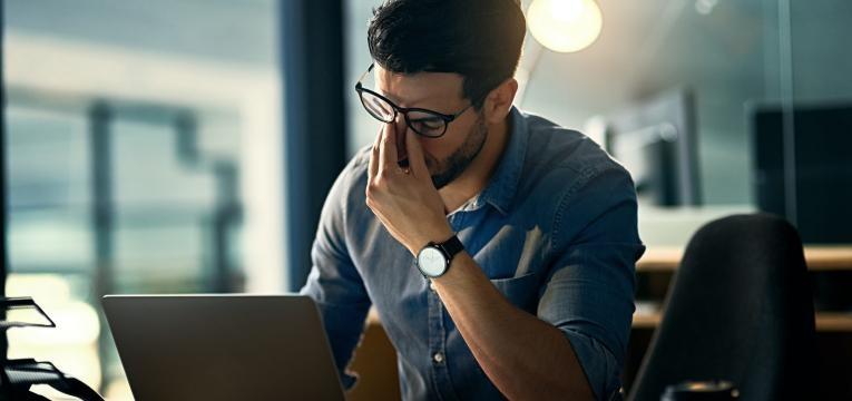 Stress no trabalho é uma das causas da doença bipolar