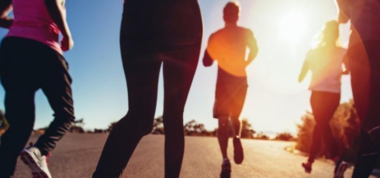 exercicio fisico e inchaco abdominal