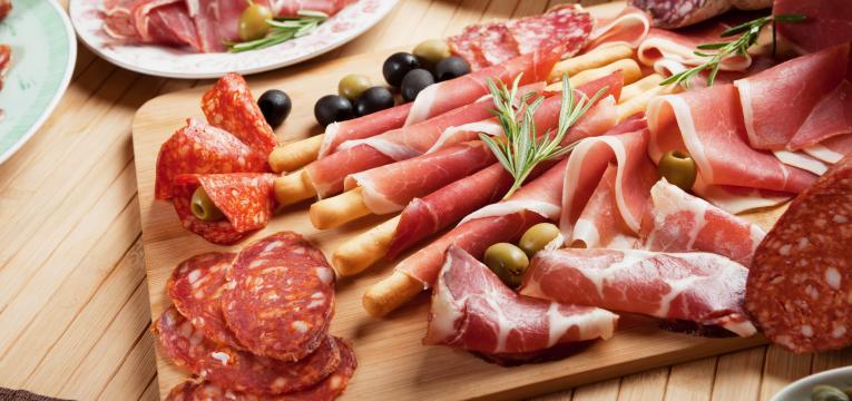 carnes processadas e alimentos potencialmente carcinogénicos