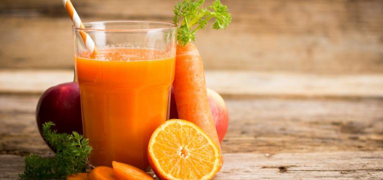 Batido de cenoura laranja e maca