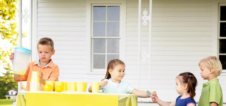 venda de limonada aos vizinhos e atividades para fazer com criancas nas ferias