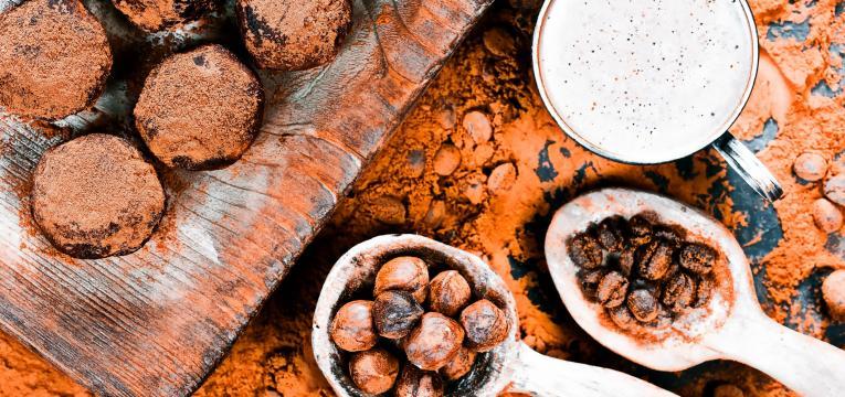 Trufas de chocolate e avelas