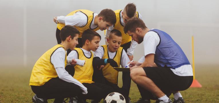 acompanhamento das criancas no exercício físico