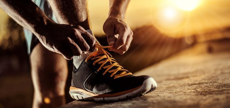 como evitar lesoes antes de comecar a correr e sapatilhas