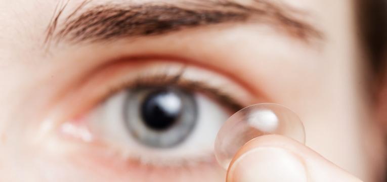 aplicacao de lentes de contacto