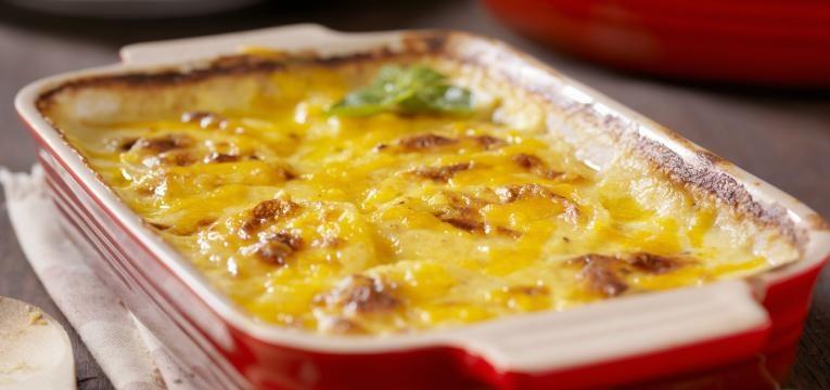 Batata-doce gratinada com natas e cogumelos