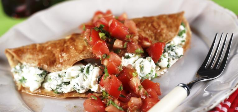 crepioca light de queijo cottage e tomate