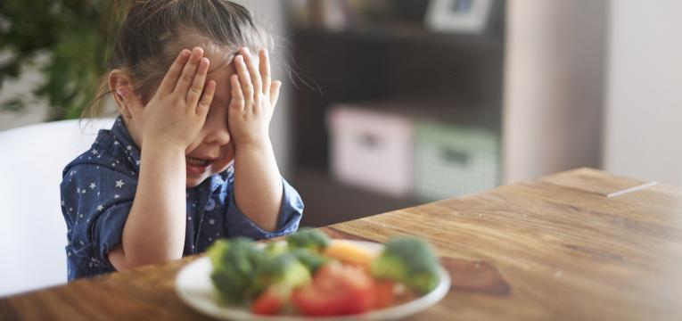crianca que nao quer comer