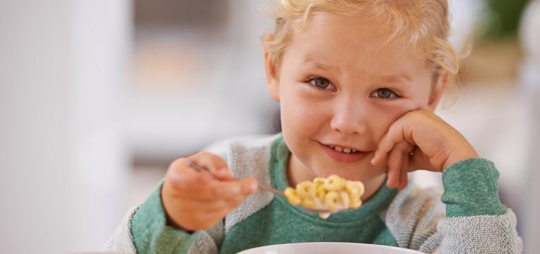 criancas e cereais de pequeno almoco e mitos sobre alimentação infantil