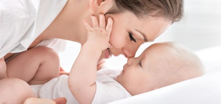 extracao de leite materno e relacao mae e bebe