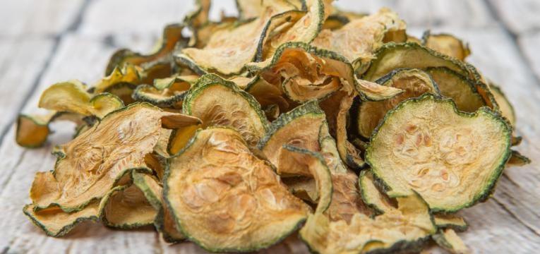 Snacks low carb e Chips de curgete