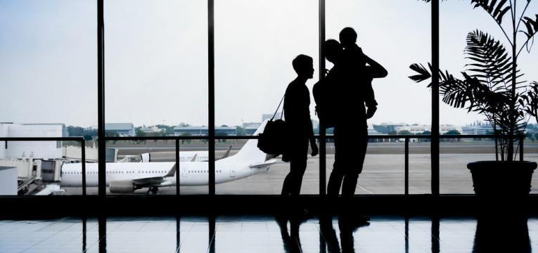 consequencias do jet lag e familia a viajar