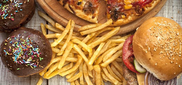 alimentos a evitar numa dieta preventiva contra o cancro