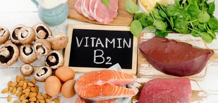 Alimentos que ajudam a atenuar as dores de cabeca e alimentos ricos em vitamina B2