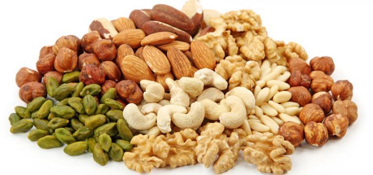 frutos secos e os melhores alimentos para comer ao pequeno-almoço