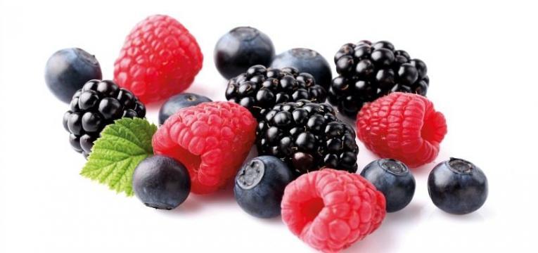 frutos vermelhos e os melhores alimentos para comer ao pequeno-almoço