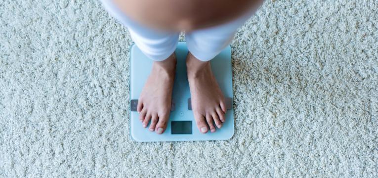 gravida a verificar o seu peso