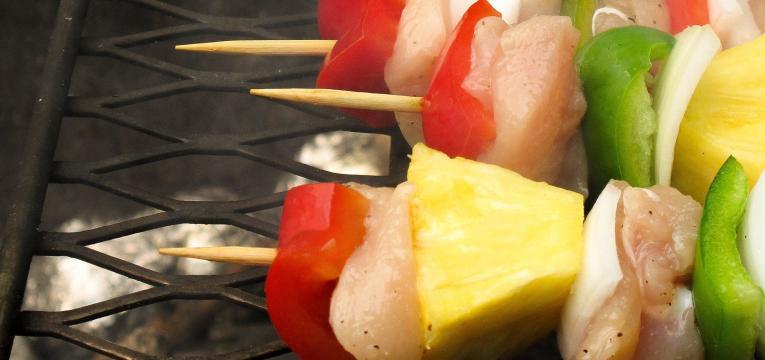 churrasco saudavel e espetadas com hortofrutícolas