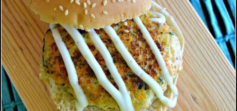 hamburguer de salmao cenoura e courguette