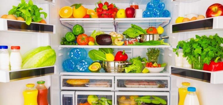 frigorifico com comida saudavel