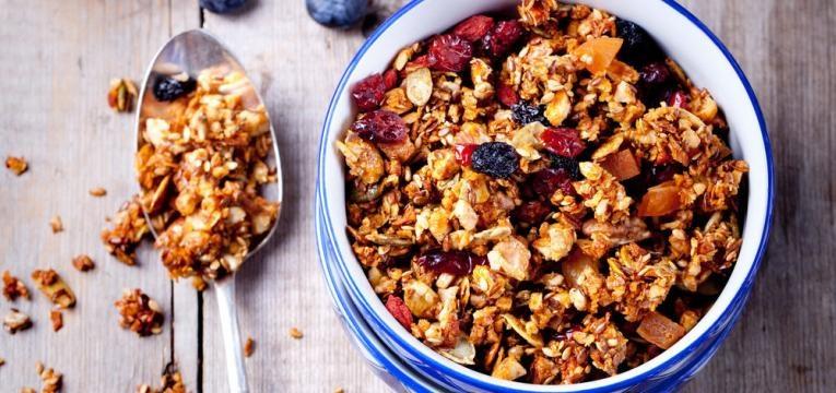 granola com frutos secos e desidratados