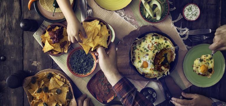 refeições calóricas e sono na alimentação