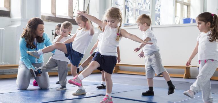 atividade fisica e exercitar a concentracao das criancas