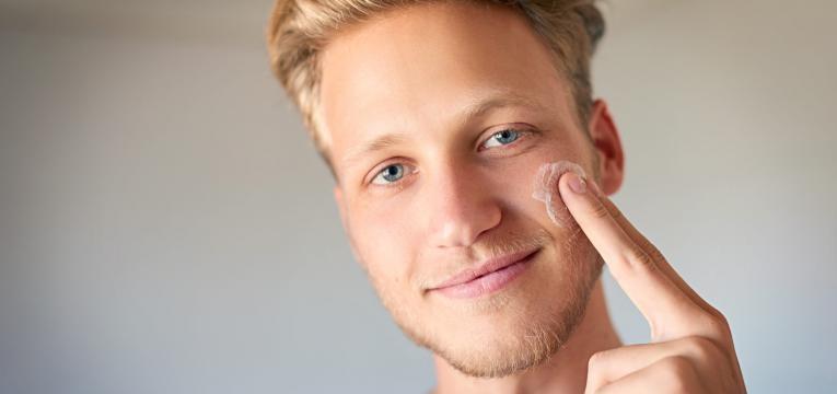 acne juvenil e cuidados com a acne em rapazes