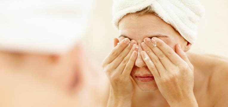 acne juvenil e limpeza de pele