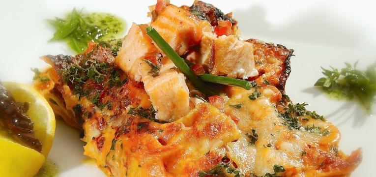 Lasanha de salmao com frutos do mar