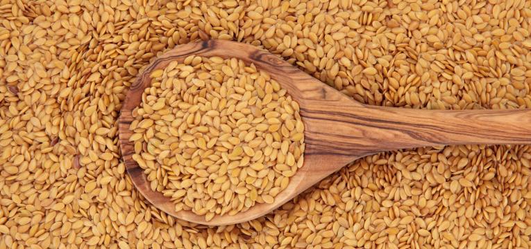sementes de linhaça e os melhores alimentos para comer ao pequeno-almoço