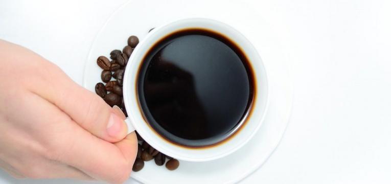 grãos de café como alimentos que não devem ser congelados