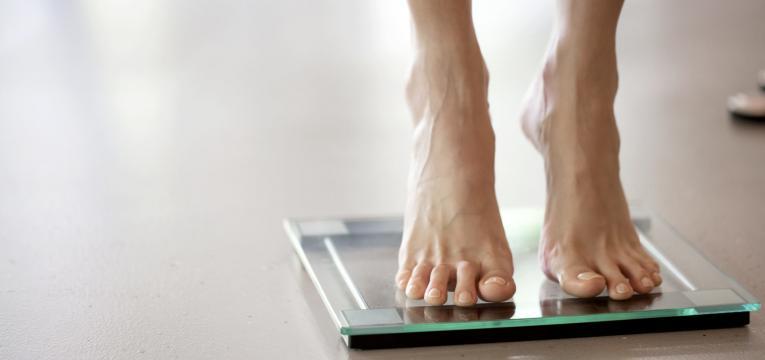 obesidade e pés inchados