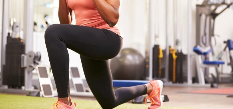 lunges em exercícios de agachamento