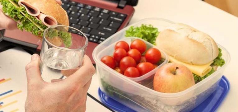 Comer bem fora de casa e marmita para o trabalho