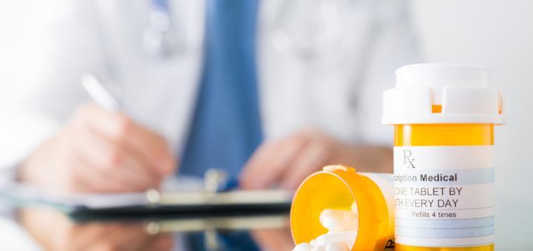 medicamento e formas naturais de evitar a azia
