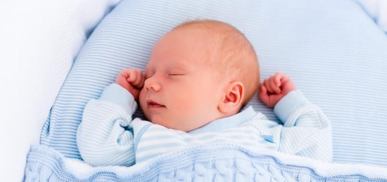 beneficios do babywearing para os bebes