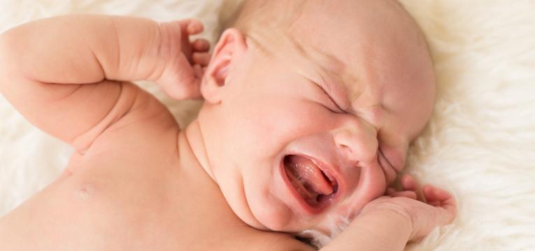 sinais de alarme bebe mal disposto