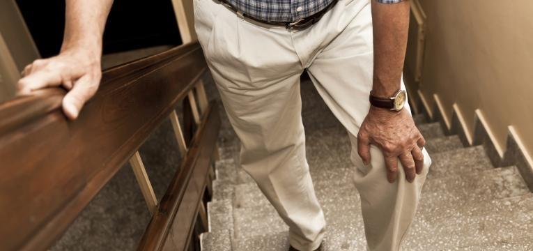 dor no joelho sintomas