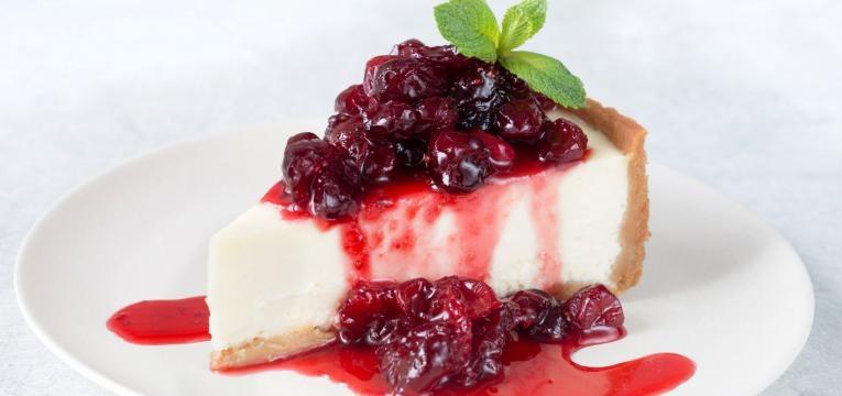Cheesecake de frutos vermelhos e baunilha