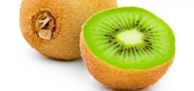 kiwi e os melhores alimentos para comer ao pequeno-almoço