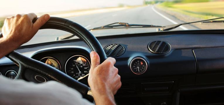 ao apertar o volante o treino e constante