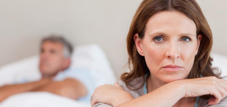 mulher triste no relacionamento