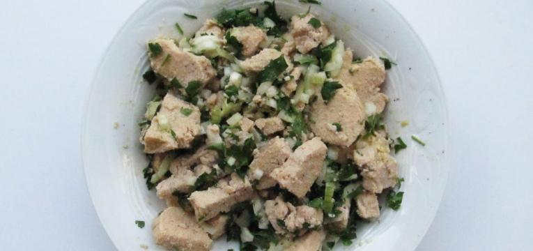 salada de ovas e coentros